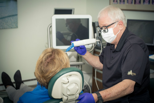 Dr. Poupore using the iTero intraoral scanner